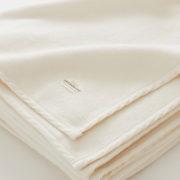 オーガニックコットンの綿毛布 温かくリラックスして眠る夜